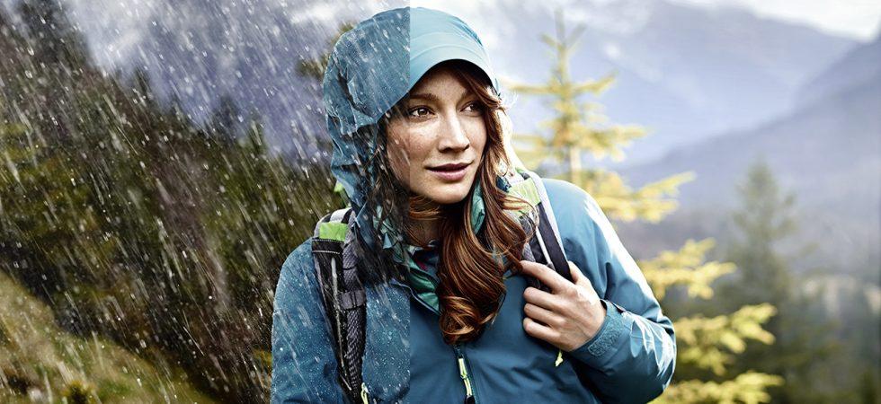 A membrános ruházat megvéd a széltől és esőtől
